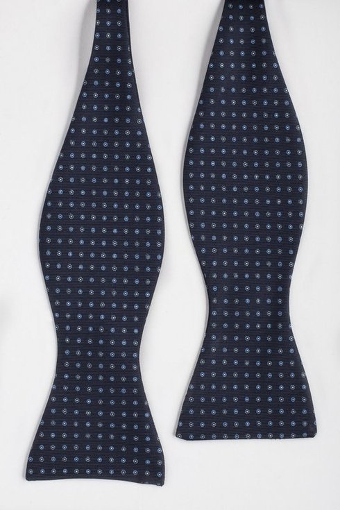 navy Macclesfield bow tie