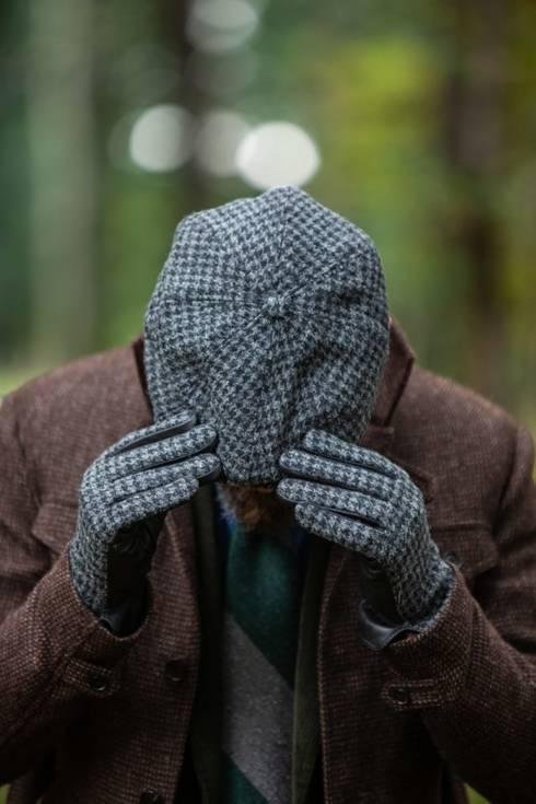 newsboy cap houndstooth by harris tweed