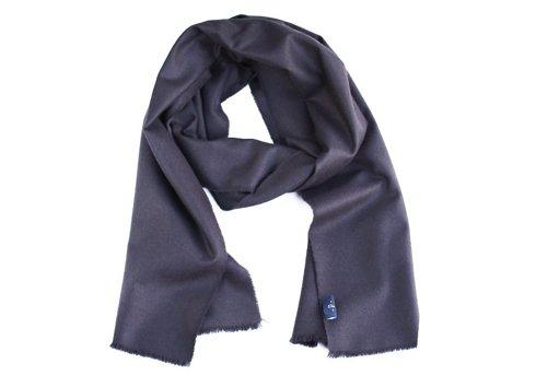 100% cashmere aubergine scarf
