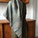 Woman's scarf with handrolled edges 100 cm