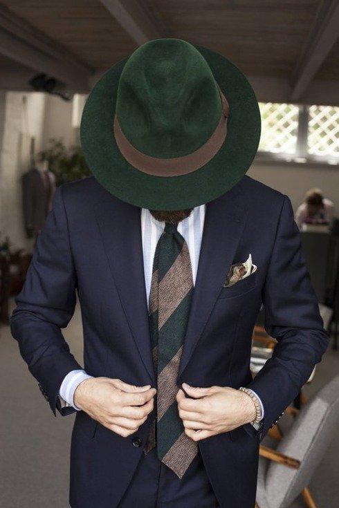zielono- brązowy krawat bez podszewki z grenadyny i szantungu