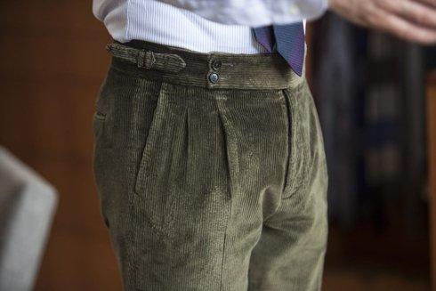 Spodnie z zielonego sztruksu